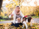 Ältere Frau mit Hund